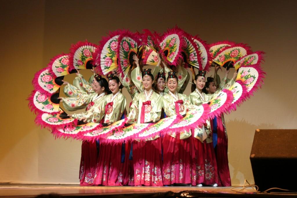 Korean.Dance-Buchaechum